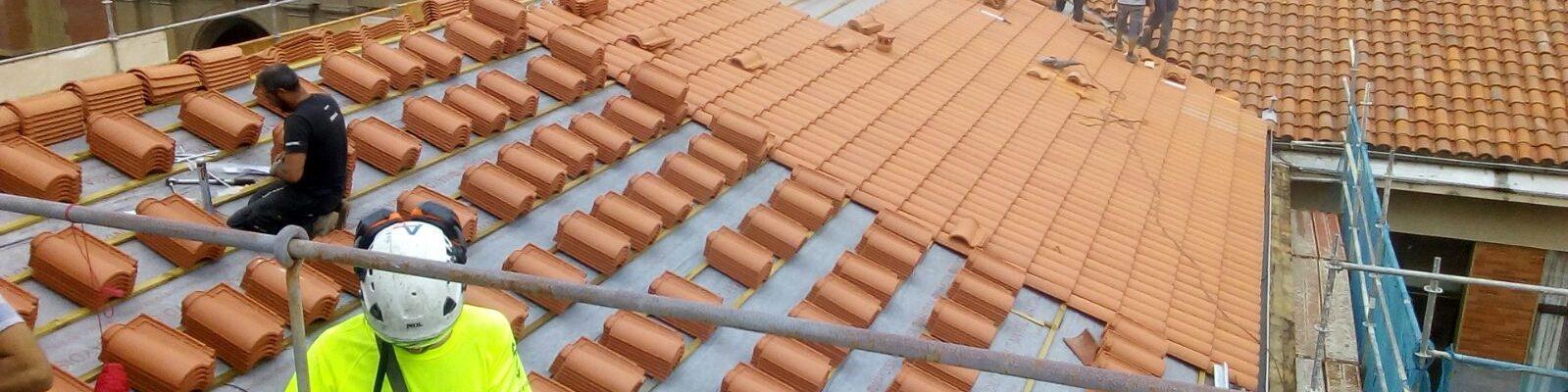 Cambio de la primera fase del tejado (verano 2018). Noticia en prensa